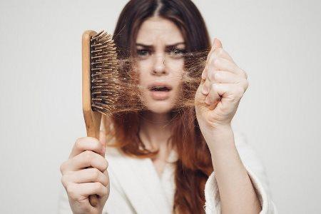 wypadanie włosów po koronawirusie